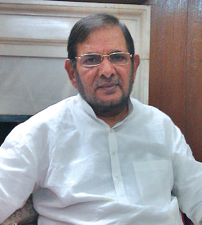 JD(U) will act against MP who voted for FDI: Sharad Yadav