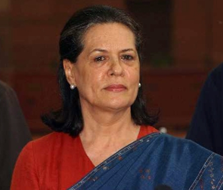 Gujral displayed sagacity, says Sonia