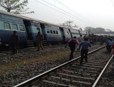 Rajya Rani express derailment: Railways announce ex-gratia of Rs. 50,000 each to injured