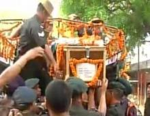 Family, strangers come together to give Captain Ayush a sparkling farewell