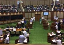 Goa CM Parrikar wins floor test with 22 votes