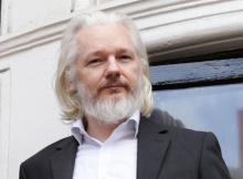 Julian Assange's internet access 'cut'