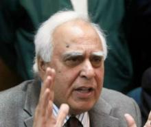 MCD Polls: Kapil Sibal calls out Congress for 'sidelining' veteran leaders