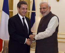 PM Modi, ex-French Prez discuss global issues of mutual interest