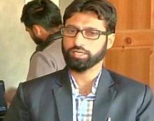 Kashmiri youth must shun violence, grab opportunities, says Kashmiri media owner