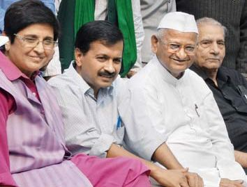 Team Anna meets in Delhi to decide future strategy