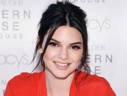 Kendall feels going 'braless' is no big deal