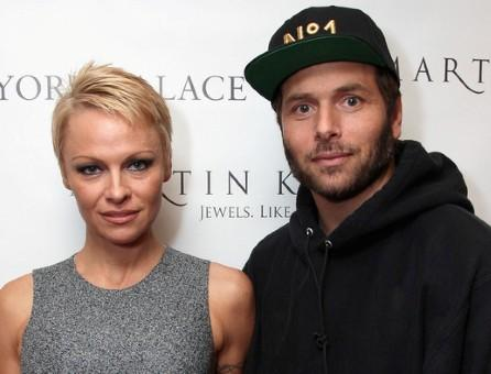 Pamela Anderson, Rick Salomon are officially divorced