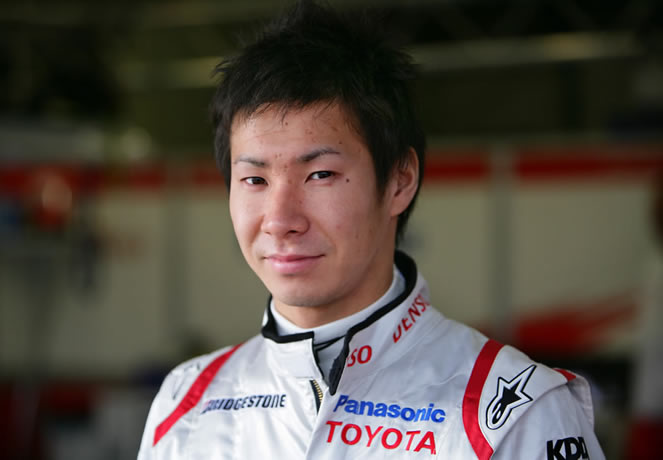 The 30-year old son of father (?) and mother(?), 170 cm tall Kamui Kobayashi in 2017 photo