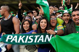Pakistani-Cricket-Fans_0.jpg