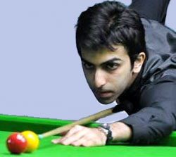 Advani, Sethi on course in World billiards