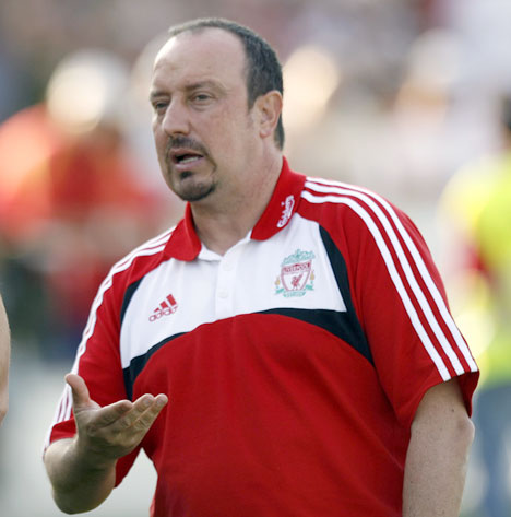 Liverpool FC must not panic against Man U: Rafa Benitez