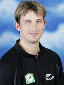 New Zealand fast bowler Shane Bond