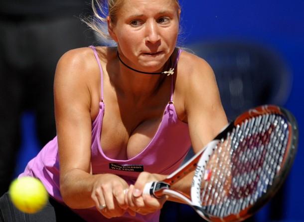 Tatiana Golovin  on Tennis Players Wallpapers  Victoria Azarenka Pictures