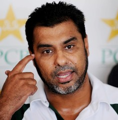 Lack of  confidence Pak team's biggest problem: Waqar