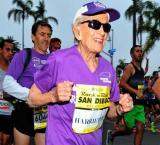 92-year-old Harriette Thompson oldest woman to finish marathon