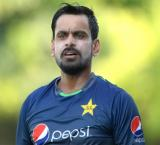 PCB to send Mohammad Hafeez to England for knee-injury treatment