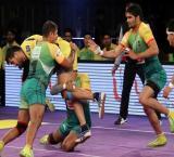 Pardeep Narwal inspires Patna Pirates to Pro Kabaddi League semis