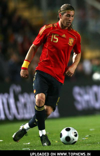 Football Wallpapers on Football Pictures Sergio Ramos Spain Defender Player
