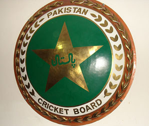 Pakistan cricket chief selector threatens to resign