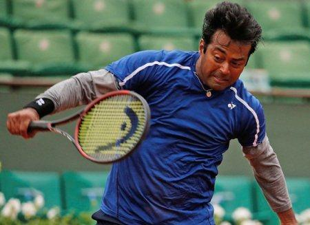Paes-Begemann ease into St. Petersburg quarters