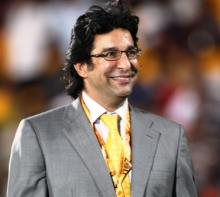 Akram irked over ex-players' response to Pak head coach role