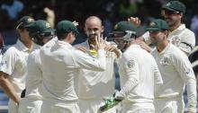 Australia tighten grip on Sydney Test despite Younis' heroics