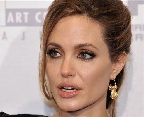 Jolie says Taliban attack on Malala ''beginning of revolution in girls'' education'' in Pak