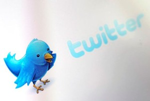 Twitter plans 'new, improved' version of iPhone app